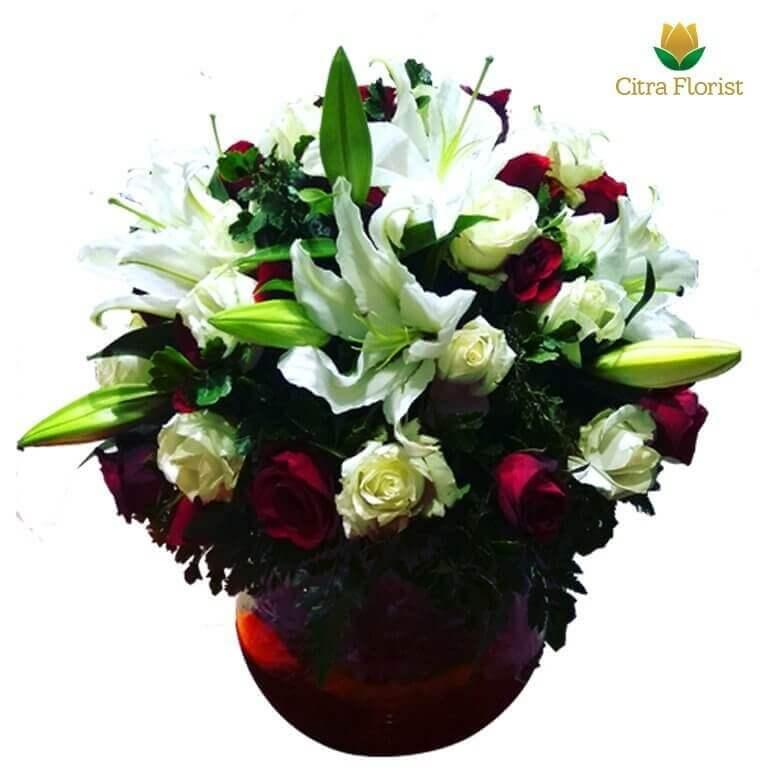 (SBY) Buket Meja Segar Round Lily and Roses