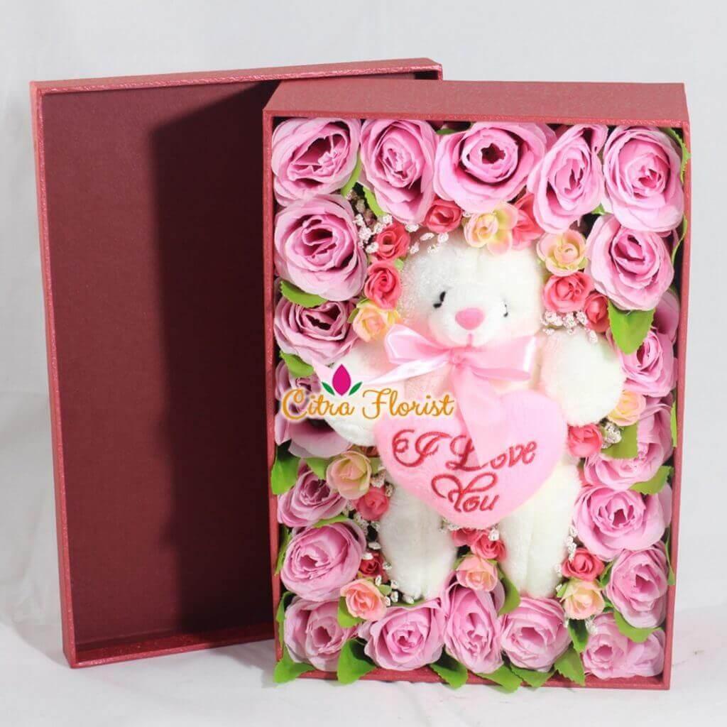 Artificial Flowerbox Sleeping Teddy
