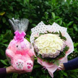 buket tangan mawar putih citra florist teddy