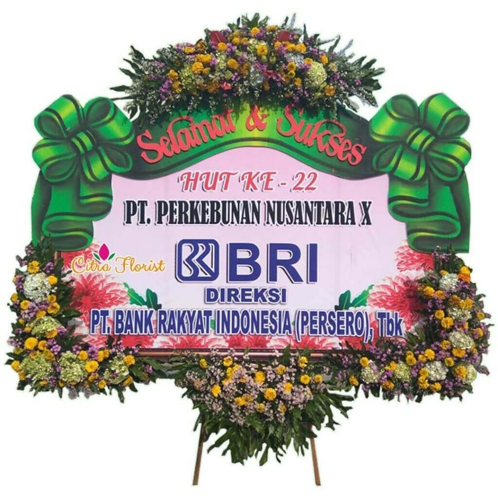 (SBY) Papan Bunga Selamat & Sukses Banner 2.5 Meter, Bunga 4 Titik (3 Bawah & 1 Atas) + Pita Sterofoam