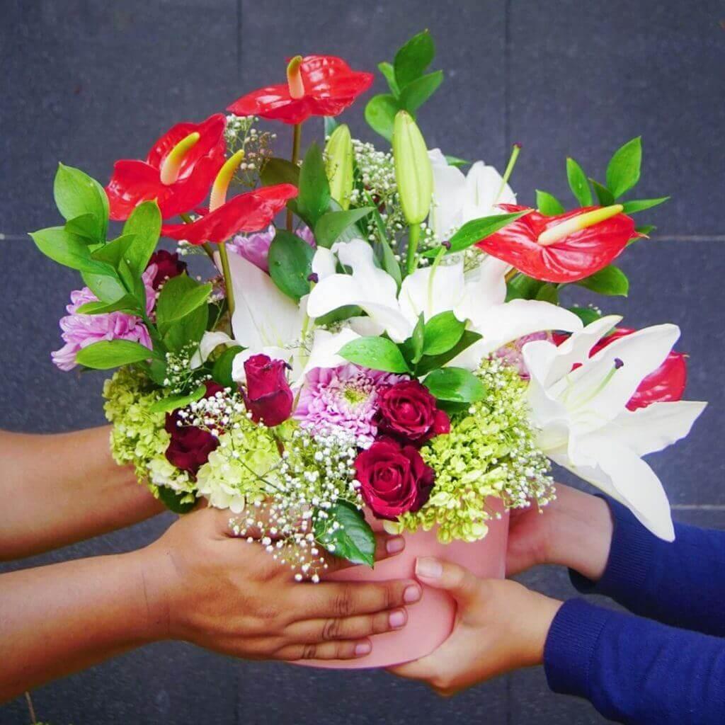 Fresh Flowerbox A Mix Fleur Round Pink