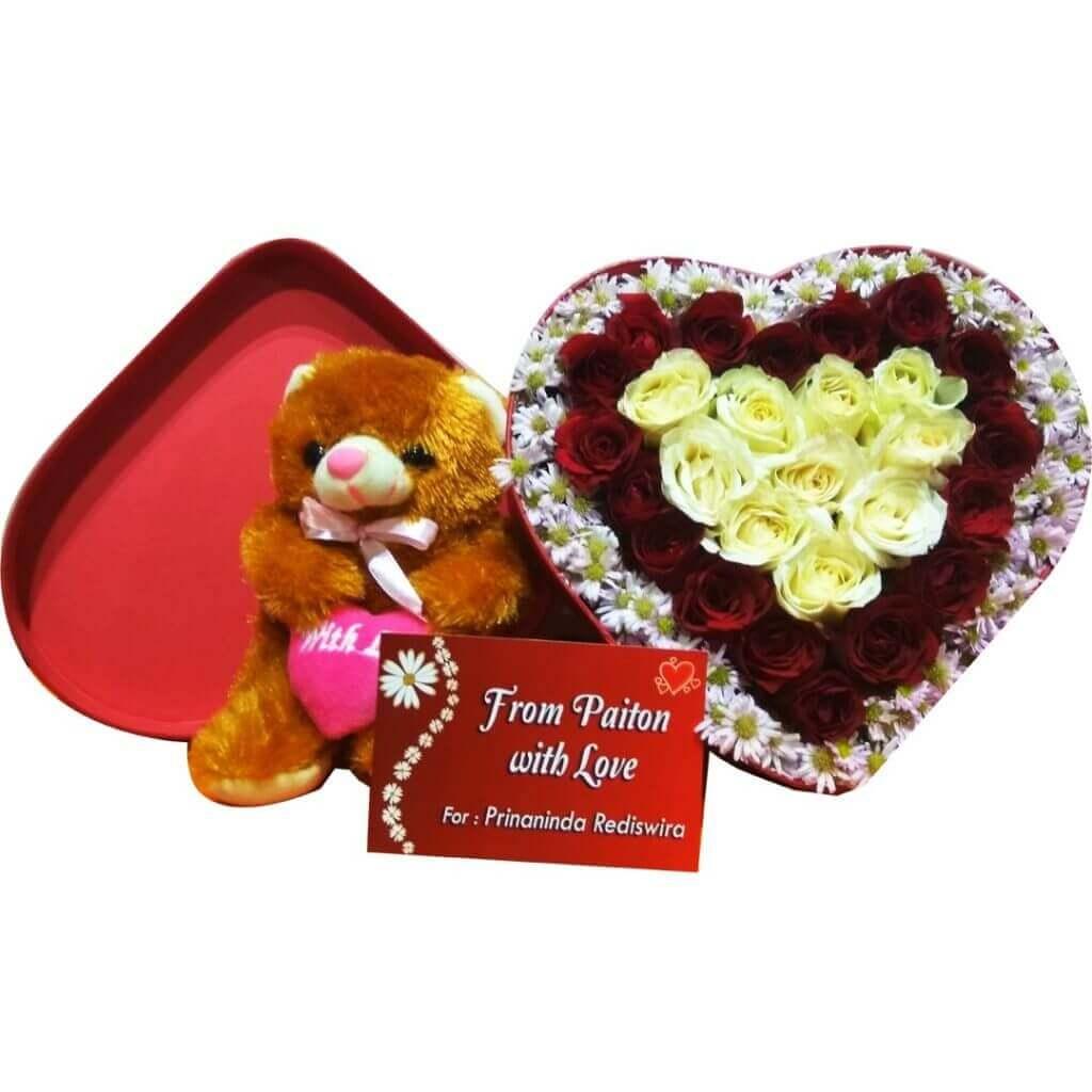 Fresh Flowerbox Love Red Roses & Pikok Pink